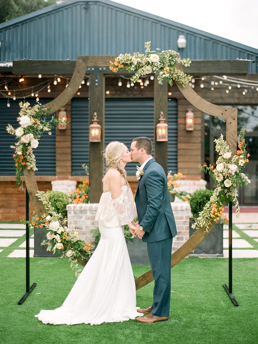 Citrus Styled Shoot Austin Wedding Planner Sparkle and Shine Events Austin Wedding Photographer Josh and Dana Fernandez