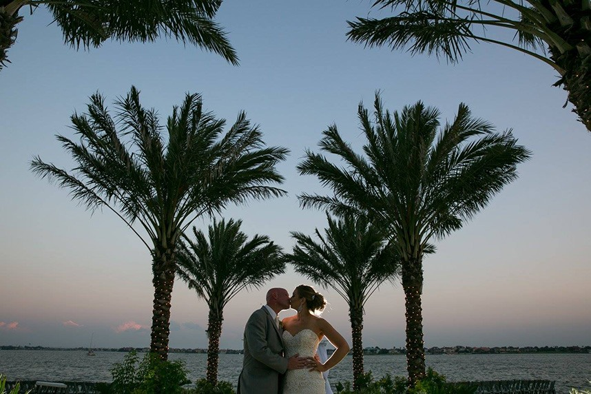 houston wedding venue waters edge in el lago texas