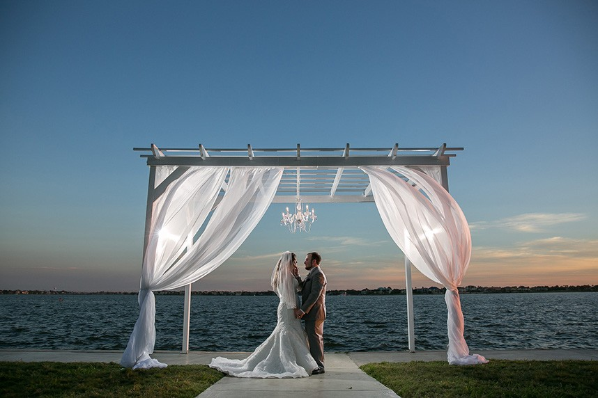 houston wedding venue waters edge venue in el lago texas