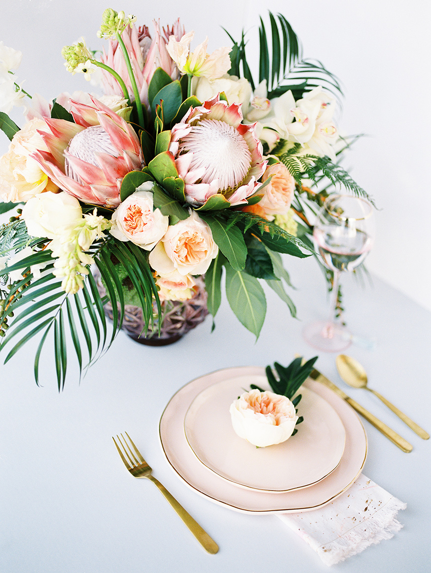 Countdown to the Brides of Houston Cover - Five Fresh Florals