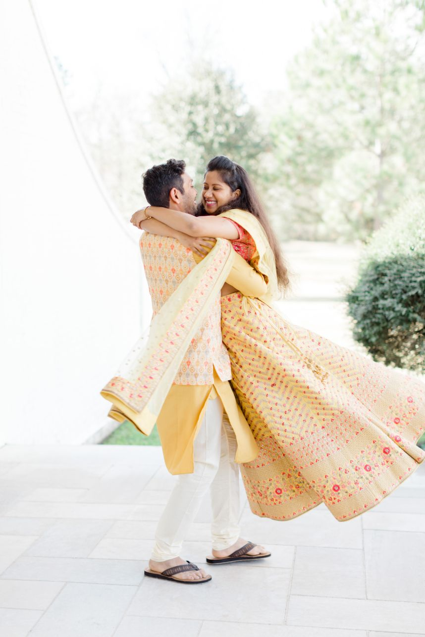 Must-Have Engagement Photo Shoot Tips