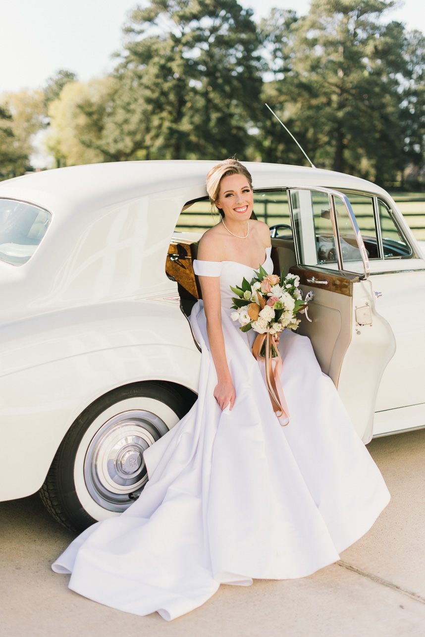 The Ultimate Guide to Wedding Transportation