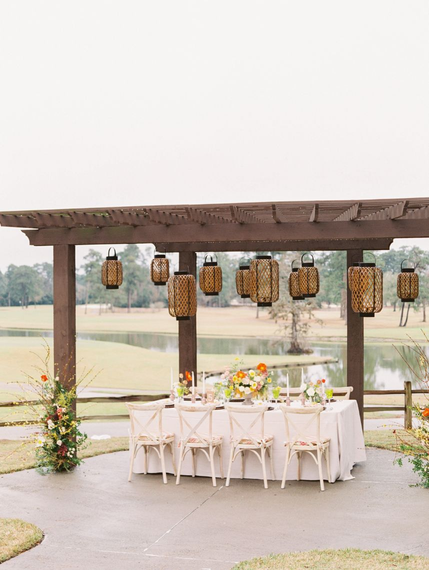 What to Consider When Booking Your Houston Wedding Venue