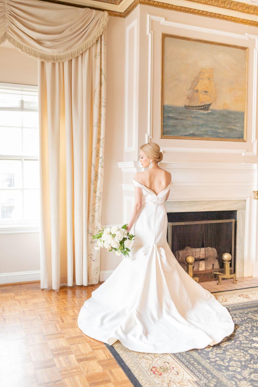 Meet Husband & Wife Wedding Photography Duo: Brandon & Lindsay Lutz Photography