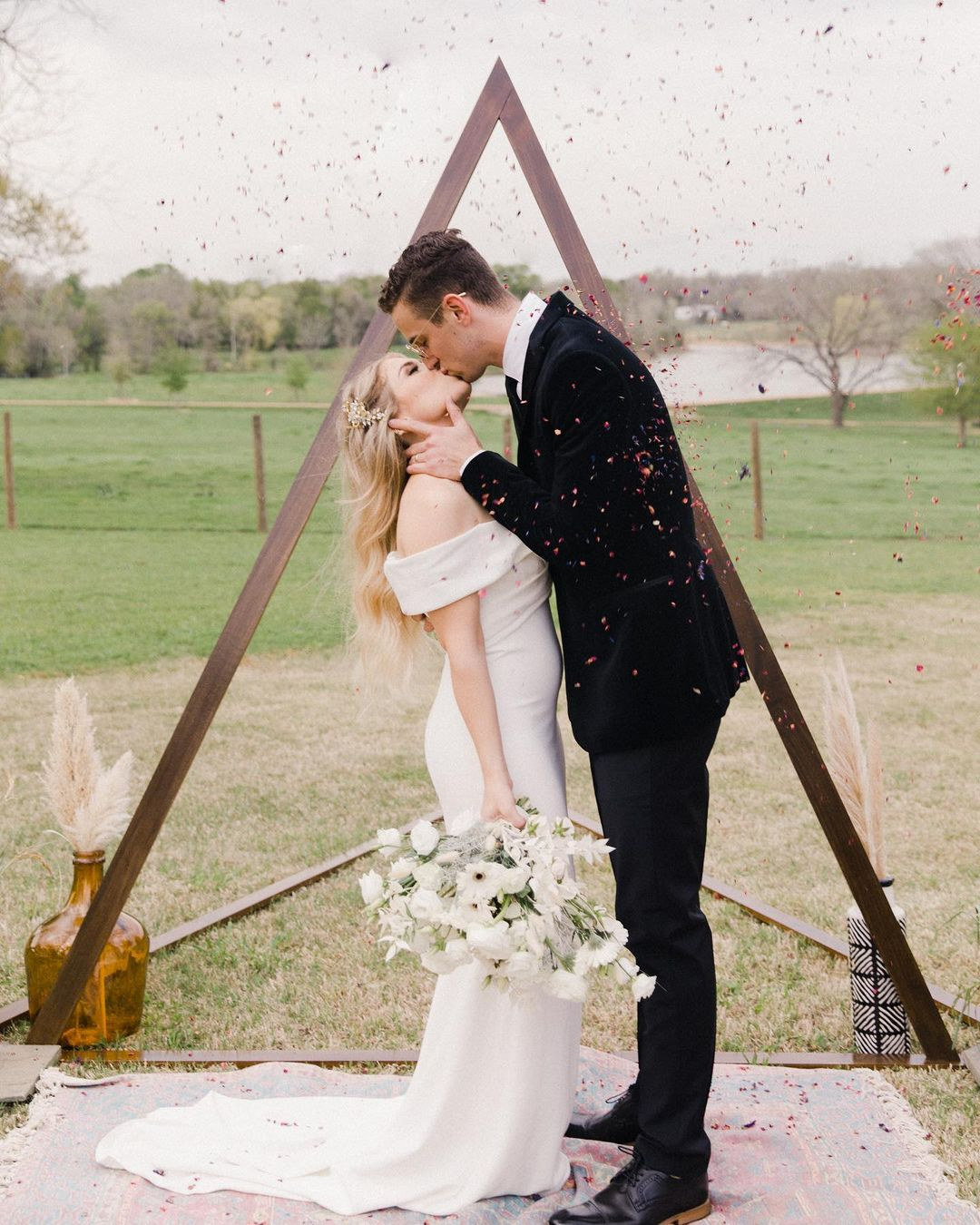 How to Include Guests from Afar: 7 Virtual Wedding Ideas
