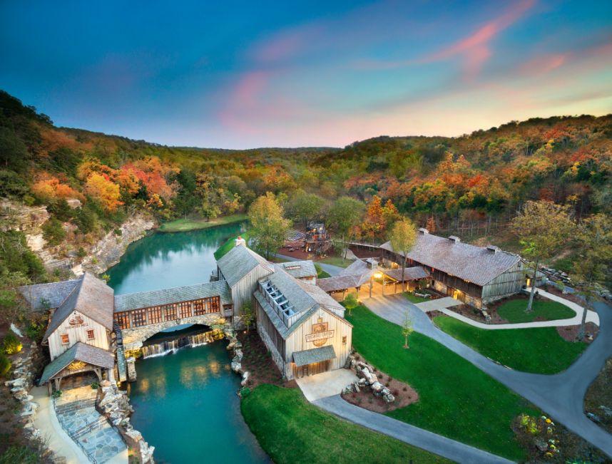 Dogwood Canyon Nature Park - Houston Wedding Honeymoon